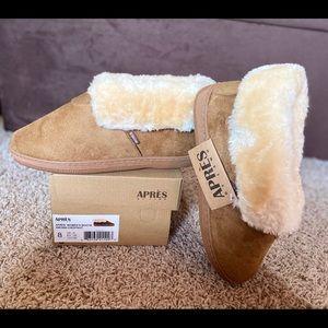 NIB-Lamo Chestnut Faux-Fur Trim Ankle Boots